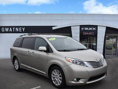 2017 Toyota Sienna for sale at DeAndre Sells Cars in North Little Rock AR