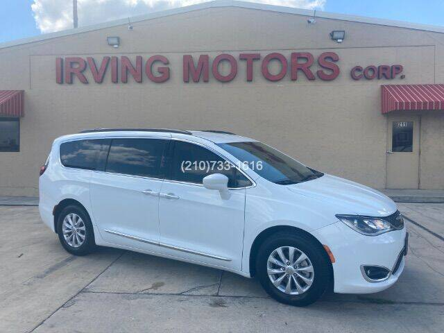2017 Chrysler Pacifica for sale at Irving Motors Corp in San Antonio TX