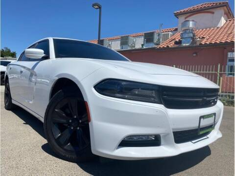 2015 Dodge Charger for sale at MADERA CAR CONNECTION in Madera CA