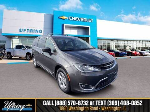 2018 Chrysler Pacifica Hybrid for sale at Gary Uftring's Used Car Outlet in Washington IL