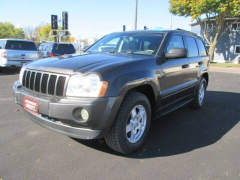 2005 Jeep Grand Cherokee for sale at SCHULTZ MOTORS in Fairmont MN
