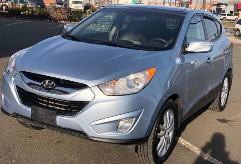 2013 Hyundai Tucson for sale at MAGIC AUTO SALES in Little Ferry NJ