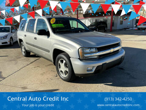 2005 Chevrolet TrailBlazer EXT for sale at Central Auto Credit Inc in Kansas City KS