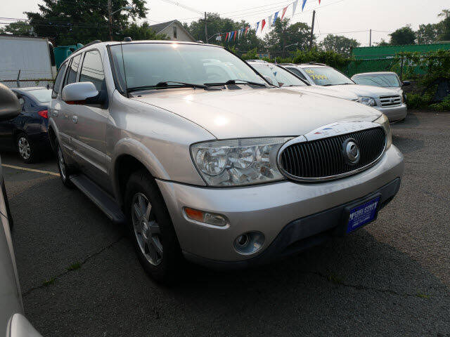 2005 Buick Rainier for sale at MICHAEL ANTHONY AUTO SALES in Plainfield NJ