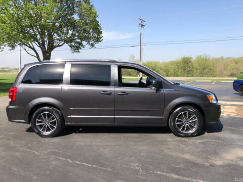 2016 Dodge Grand Caravan for sale at Fox Valley Motorworks in Lake In The Hills IL