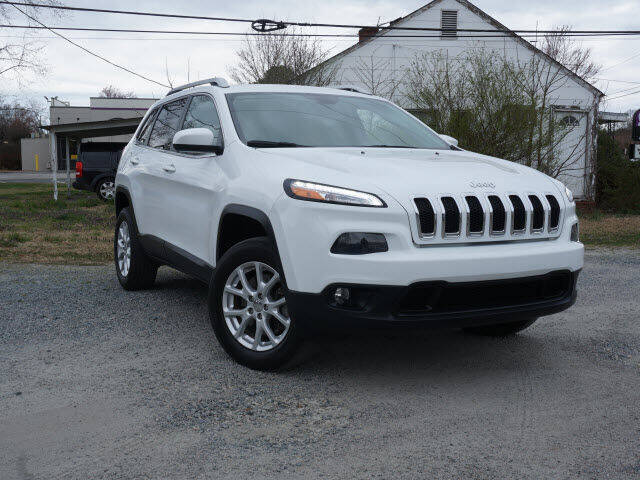 2015 Jeep Cherokee for sale at Auto Mart in Kannapolis NC
