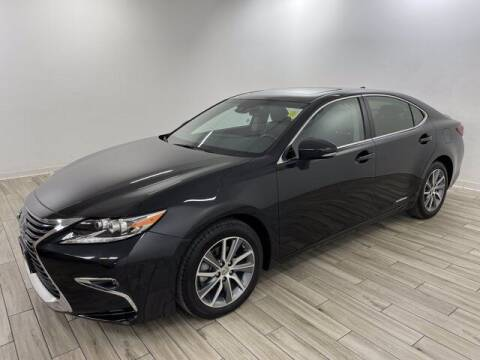 2017 Lexus ES 300h for sale at TRAVERS GMT AUTO SALES - Traver GMT Auto Sales West in O Fallon MO
