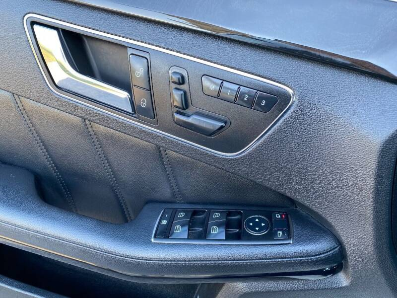 2010 Mercedes-Benz E-Class AWD E 350 Sport 4MATIC 4dr Sedan - Saint Francis WI