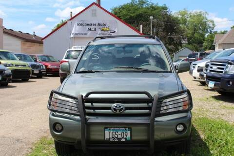 2005 Toyota Highlander for sale at Rochester Auto Mall in Rochester MN
