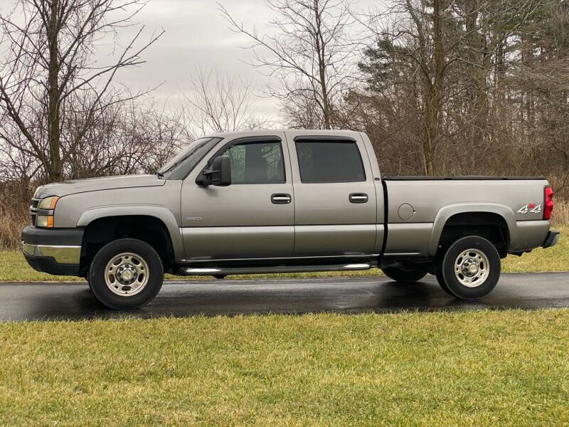 2007 Chevrolet Silverado 2500HD Classic for sale at CMC AUTOMOTIVE in Roann IN
