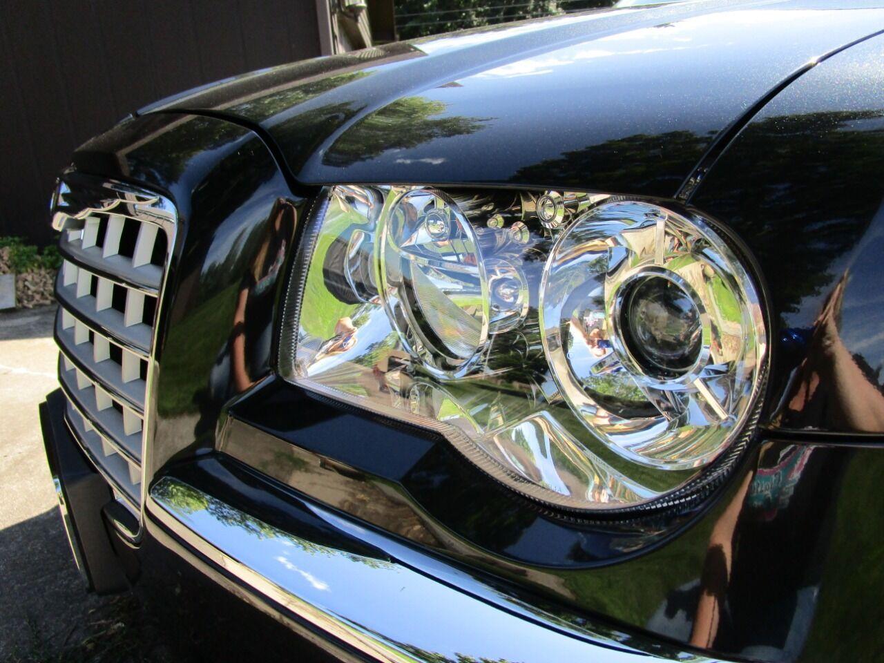 2006 Chrysler 300 26