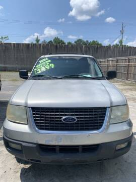 2004 Ford Expedition for sale at J D USED AUTO SALES INC in Doraville GA