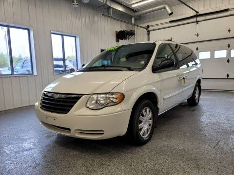 2006 Chrysler Town and Country for sale at Sand's Auto Sales in Cambridge MN