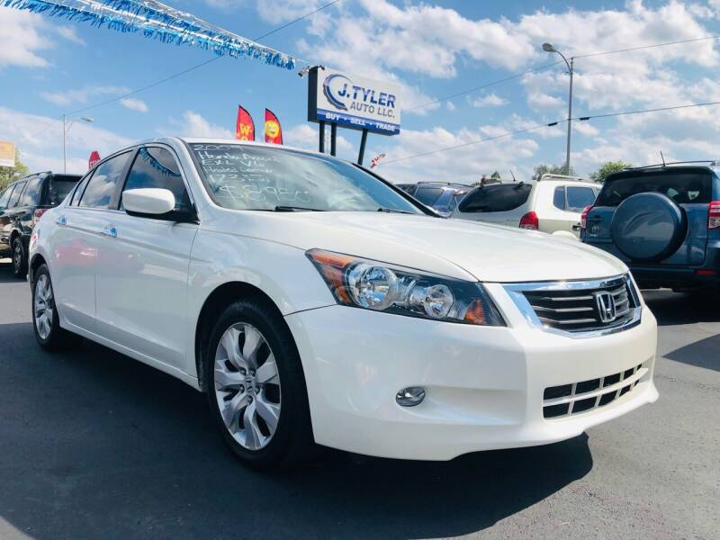 2009 Honda Accord for sale at J. Tyler Auto LLC in Evansville IN