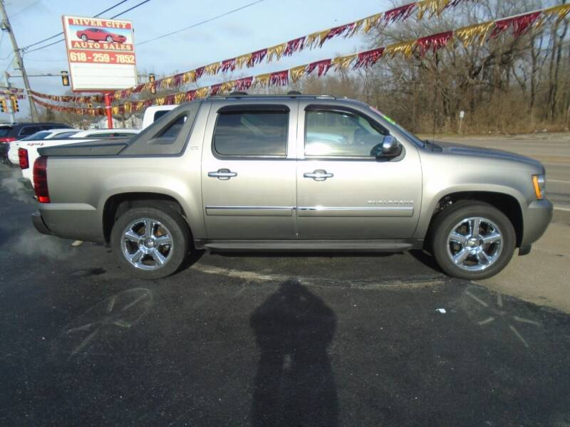 2012 Chevrolet Avalanche for sale at River City Auto Sales in Cottage Hills IL