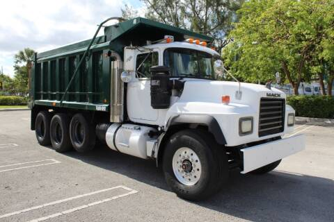 1999 Mack RD688S for sale at Truck and Van Outlet in Miami FL