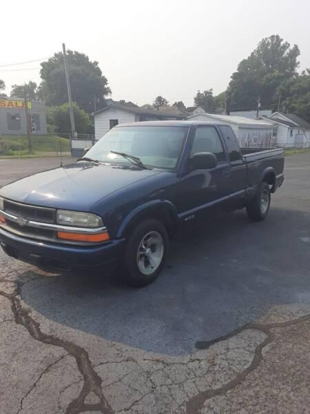 2000 Chevrolet S-10 for sale in Zanesville, OH