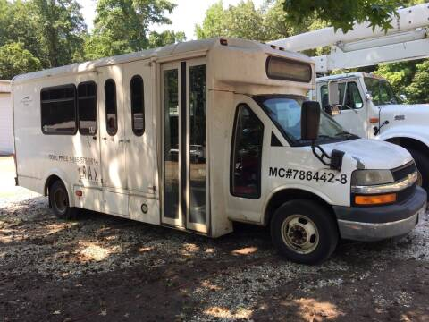 2010 Chevrolet Express Cutaway for sale at M & W MOTOR COMPANY in Hope AR