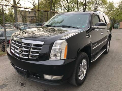 2007 Cadillac Escalade for sale at MAGIC AUTO SALES in Little Ferry NJ