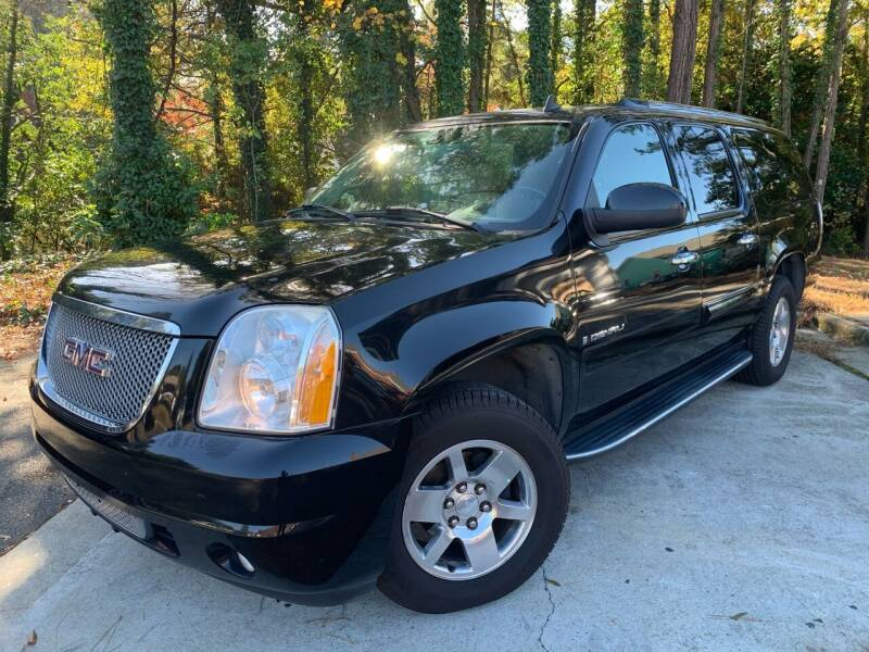 2007 GMC Yukon XL for sale at Triangle Motors Inc in Raleigh NC