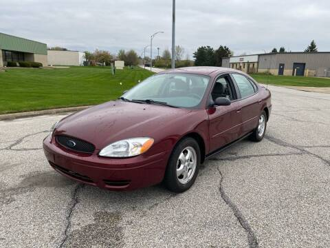 2005 Ford Taurus for sale at JE Autoworks LLC in Willoughby OH