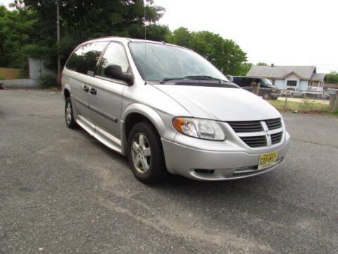 2007 Dodge Grand Caravan for sale at Auto Outlet Of Vineland in Vineland NJ