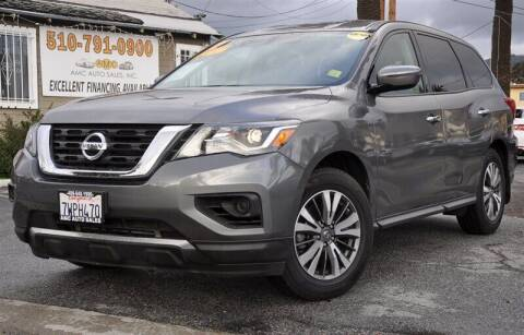 2017 Nissan Pathfinder for sale at AMC Auto Sales, Inc. in Fremont CA