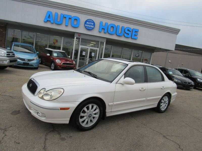 2002 Hyundai Sonata for sale at Auto House Motors in Downers Grove IL