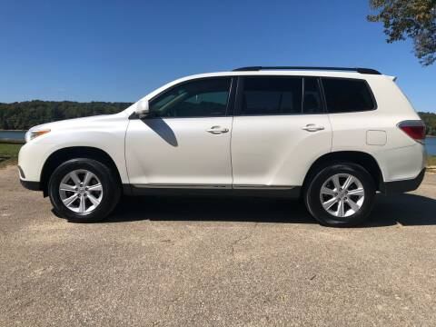 2013 Toyota Highlander for sale at Monroe Auto's, LLC in Parsons TN