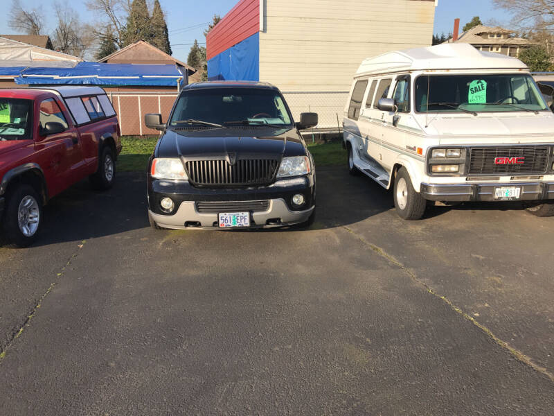 2003 Lincoln Navigator for sale at ET AUTO II INC in Molalla OR