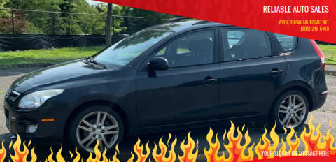 2010 Hyundai Elantra Touring for sale at Reliable Auto Sales in Roselle NJ