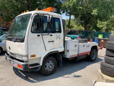 2000 UD Trucks UD2000
