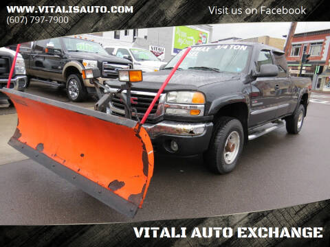 2004 GMC Sierra 2500HD for sale at VITALI AUTO EXCHANGE in Johnson City NY