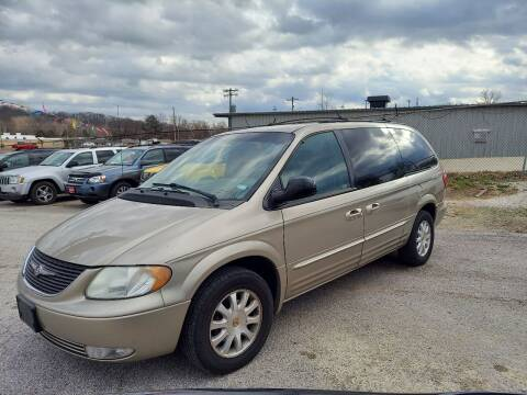 2002 Chrysler Town and Country for sale at BBC Motors INC in Fenton MO