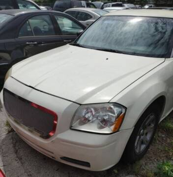 2005 Dodge Magnum for sale at JacksonvilleMotorMall.com in Jacksonville FL