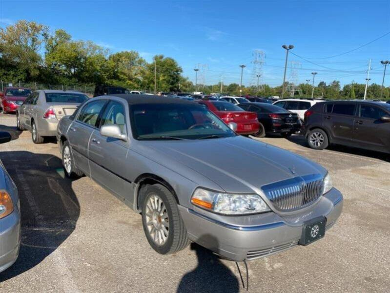 2003 Lincoln Town Car for sale at Jeffrey's Auto World Llc in Rockledge PA