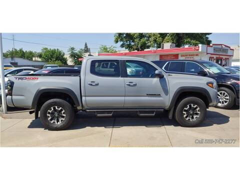 2019 Toyota Tacoma for sale at Dealers Choice Inc in Farmersville CA