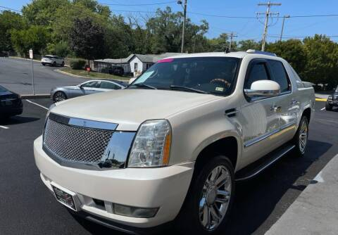 2007 Cadillac Escalade EXT for sale at DEALZ ON WHEELZ in Winchester VA