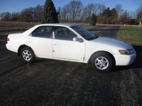 1999 Toyota Camry for sale at Crossroads Used Cars Inc. in Tremont IL