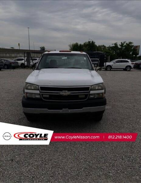 2007 Chevrolet Silverado 3500 CC Classic for sale at COYLE GM - COYLE NISSAN - New Inventory in Clarksville IN