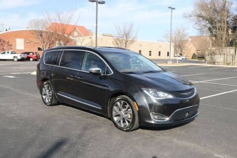 2017 Chrysler Pacifica for sale at Auto Collection Of Murfreesboro in Murfreesboro TN