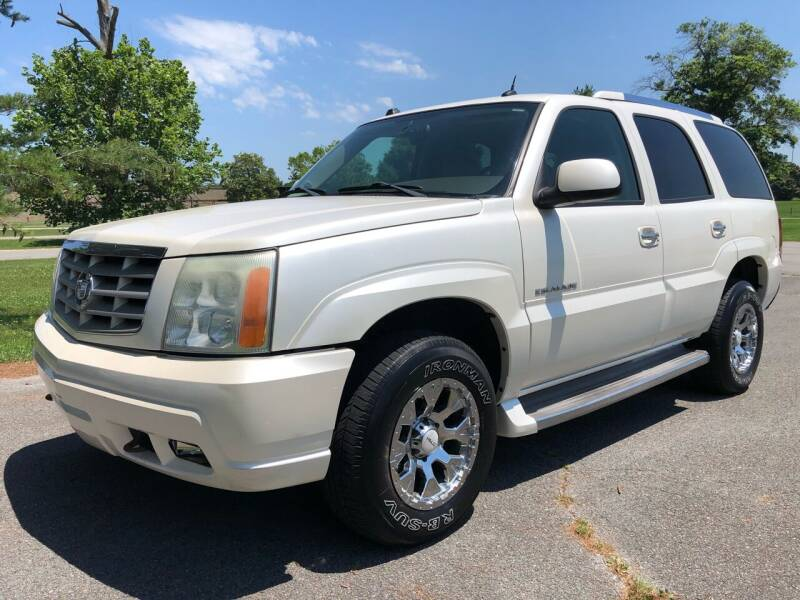 2005 Cadillac Escalade for sale at COUNTRYSIDE AUTO SALES 2 in Russellville KY