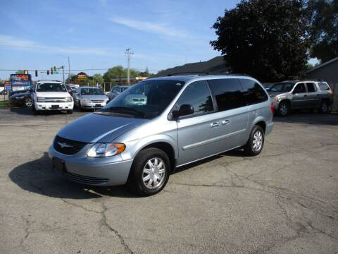 2004 Chrysler Town and Country for sale at RJ Motors in Plano IL