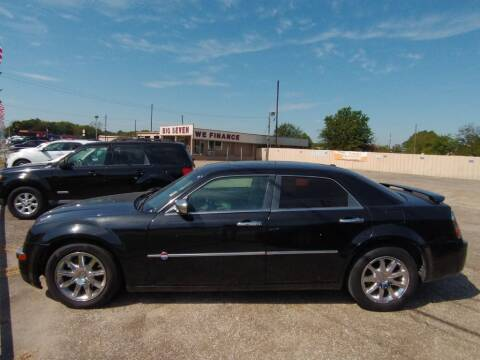 2007 Chrysler 300 for sale at BIG 7 USED CARS INC in League City TX