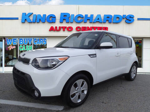 2015 Kia Soul for sale at KING RICHARDS AUTO CENTER in East Providence RI