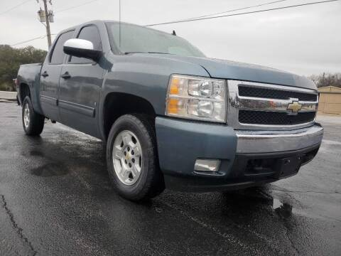 2008 Chevrolet Silverado 1500 for sale at Thornhill Motor Company in Lake Worth TX