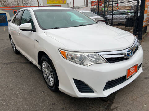2013 Toyota Camry Hybrid for sale at TOP SHELF AUTOMOTIVE in Newark NJ