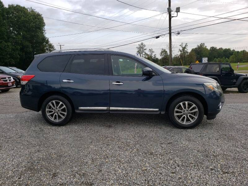 2013 Nissan Pathfinder for sale at 220 Auto Sales in Rocky Mount VA