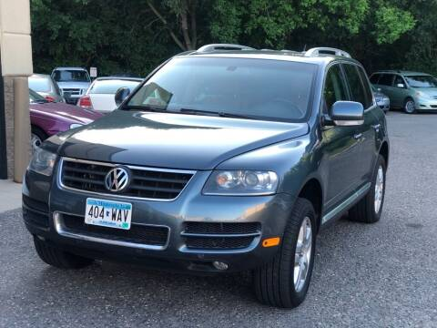2007 Volkswagen Touareg for sale at Fleet Automotive LLC in Maplewood MN