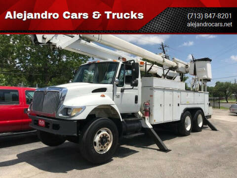 2002 International WorkStar 7400 for sale at Alejandro Cars & Trucks in Houston TX